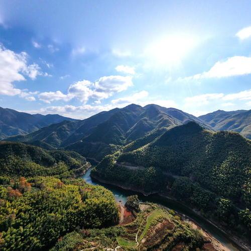 中央山全景
