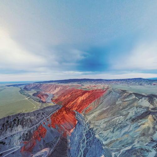 新疆安集海大峡谷全景图