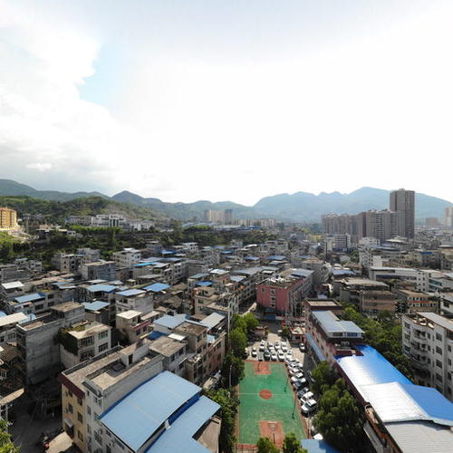 印江三小旁全景图